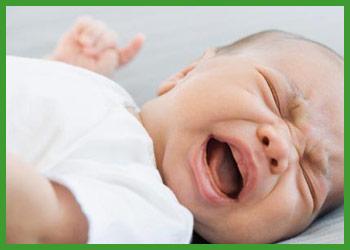 otros-problemas-del-bebe-soluciones-en-farmacia-santias